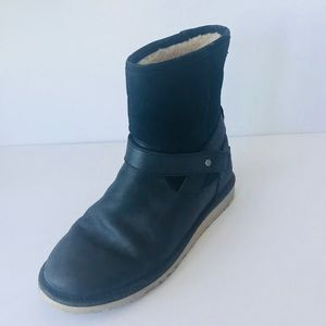 UGG Woman's Black Suede & Leather Boots Size 6